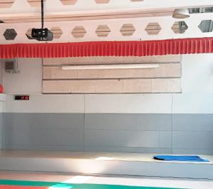 Instalación Proyector y Pantalla en Gimnasio